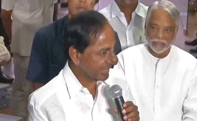 West Bengal, Bihar, Karnataka Chief Ministers Congratulate KCR On Lead