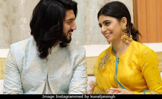 'इश्कबाज' के ओमकारा सिंह ने कर ली सगाई, 10 तस्वीरों में देखें Engagement Ceremony