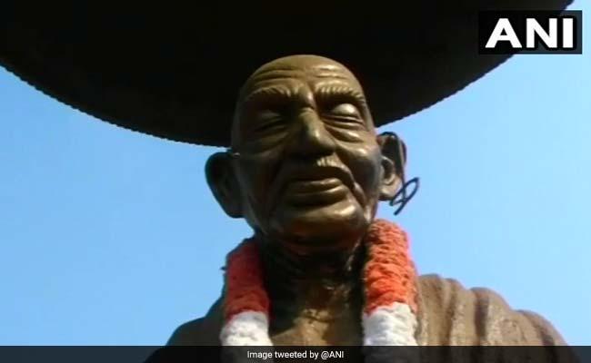अब महात्मा गांधी और अंबेडकर की प्रतिमा को नुकसान पहुंचाया