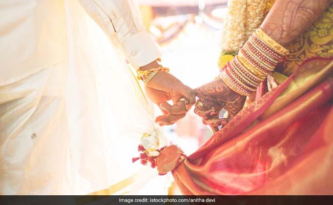 अनोखी है यहां की परंपरा, अपनी ही शादी में शामिल नहीं हो सकता दूल्हा, बहन लेती है दुल्हन के साथ फेरे