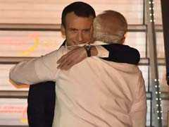 फ्रांस के राष्ट्रपति इमैनुअल मैक्रों चार दिन की भारत यात्रा पर, पीएम मोदी ने गले लगाकर किया स्वागत: 10 खास बातें