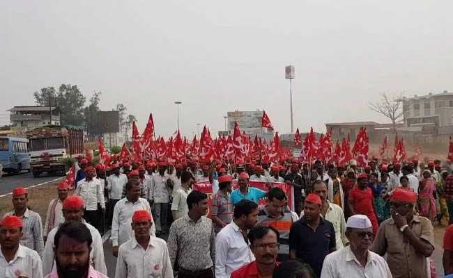 mumbai farmers protest