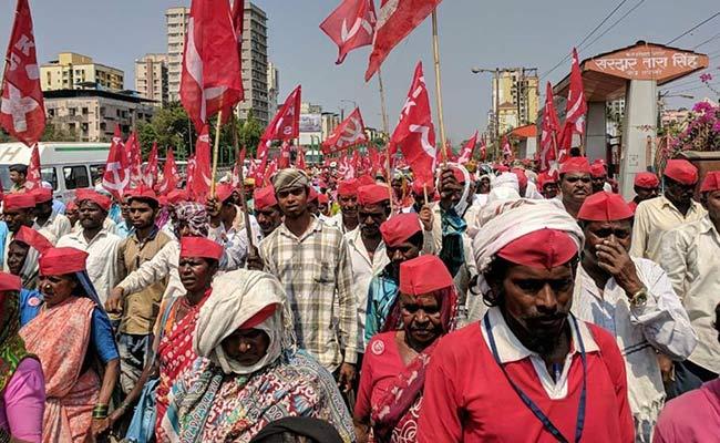 मुंबई के आजाद मैदान पहुंचा 50 हजार किसानों का महामोर्चा, सरकार नहीं मानी तो होगा विधानसभा का घेराव, 10 बड़ी बातें