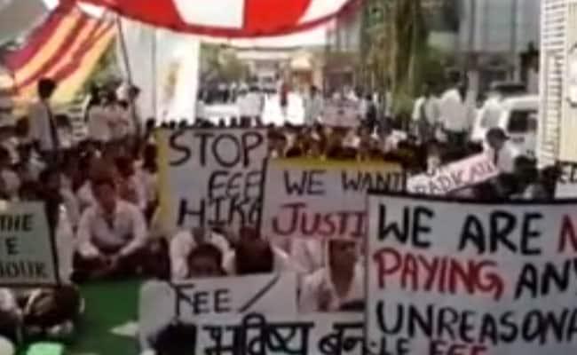 NDTV की खबर का असर, उत्तराखंड में मेडिकल कॉलेजों की बढ़ी फीस होगी वापस