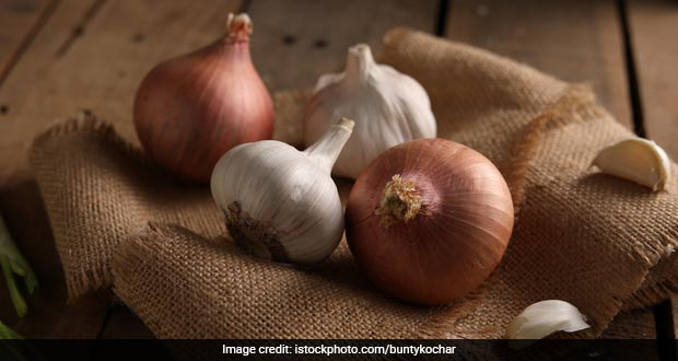 7 Ingenious Ways To Get Rid Of Bad Breath From Onion And Garlic