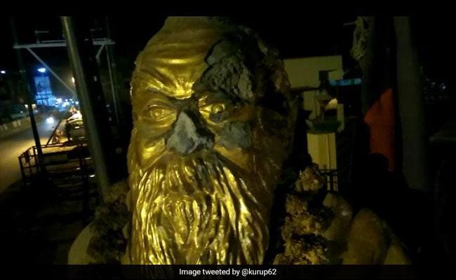 BJP नेता के 'विवादित' फेसबुक पोस्ट के बाद तमिलनाडु में पेरियार की प्रतिमा को पहुंचाया नुकसान