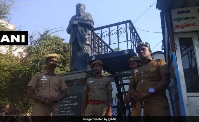पेरियार की मूर्ति गिराने पर तमिलनाडु बीजेपी ने पदाधिकारी को किया बर्खास्त