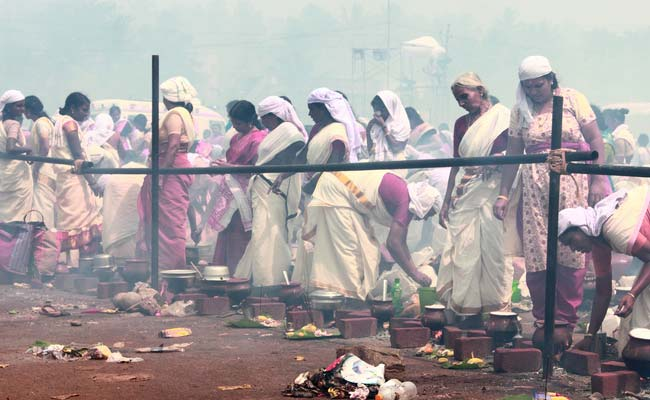 अट्टकल पोंगल त्यौहार हुआ खत्म, लाखों महिलाओं ने चढ़ाया पोंगल