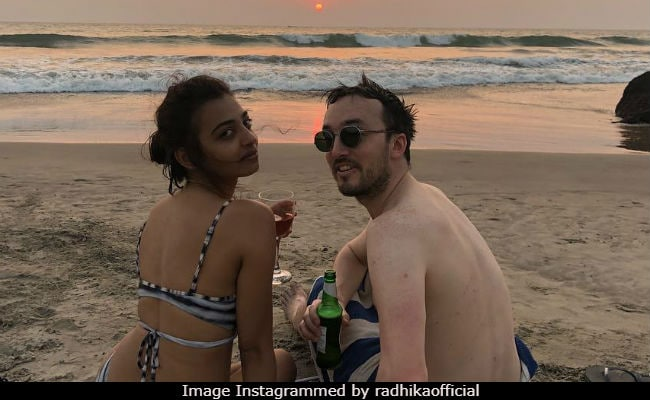 Dear Trolls, Don't Expect Radhika Apte 'To Wear Sari On The Beach'
