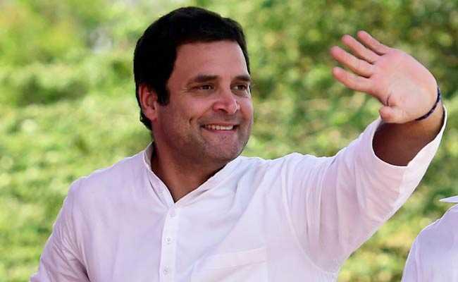 राहुल गांधी ने IAS टॉपर टीना डाबी-आमिर को दी शादी की बधाई, कही यह बड़ी बात