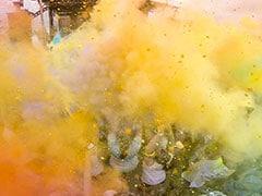 रंगपंचमी 2018: जानें क्या है ये पर्व, क्यों इस दिन आसमान में उड़ाया जाता है गुलाल