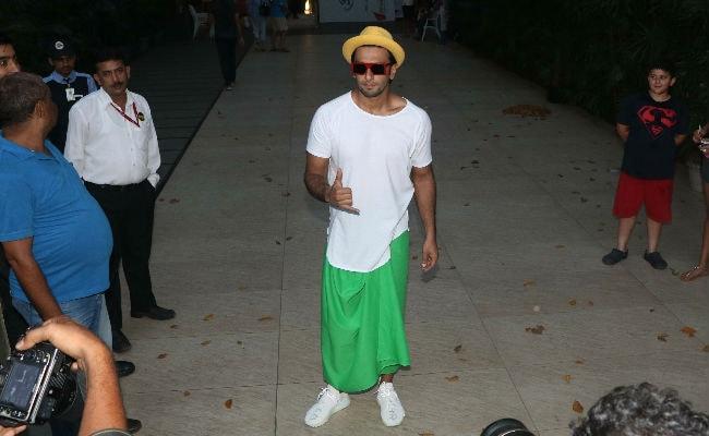 Ranveer Singh Wore This Green Skirt For A Reason. He Told Priyanka Chopra