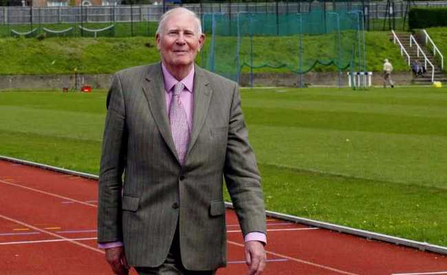 UK Athlete Roger Bannister, First Man To Run A Mile Under 4 Minutes, Dies