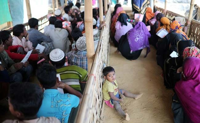 भारत ने रोहिंग्या मुसलमानों की मदद के लिए बांग्लादेश को राहत सामग्री दी