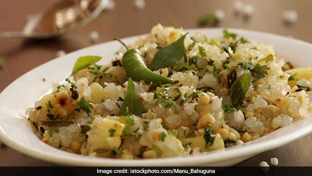 Watch: Try This Quick & Easy Sabudana Khichdi For A Comforting Meal At Home