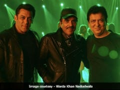 This Salman Khan, Dharmendra Picture Hints A Reunion. Twitter Thinks So