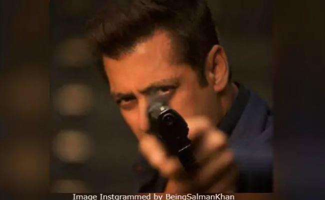Salman Khan Teases Us With Race 3 Logo. 'Get Set Go...'