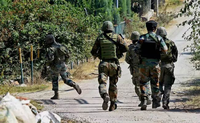 Gun-toting terrorists attend LeT terrorist funeral in J&K's Shopian