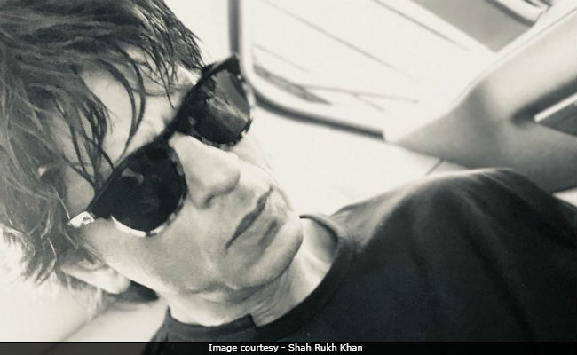 For A Change, Shah Rukh Khan Read A Poem On His Way To Work