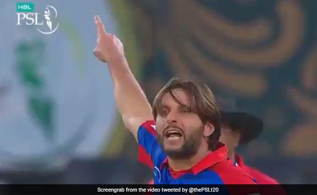 आउट करने के बाद अफरीदी ने बल्लेबाज को कहा- ''उधर जा..'', खिलाड़ी ने फिर किया कुछ ऐसा कि हो गए भावुक