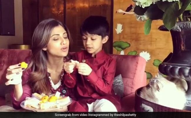 काजू कतली और मोतीचूर के लड्डू उड़ाती नजर आई फिटनेस क्वीन शिल्पा शेट्टी, वीडियो हुआ वायरल
