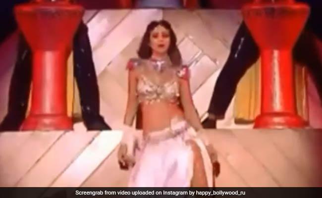 शिल्पा शेट्टी ने किया ऐसा बैली डांस थम गई वरुण धवन की सांसें, वीडियो हो रहा वायरल