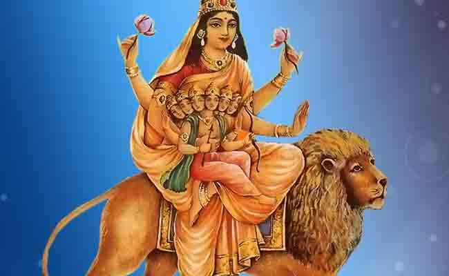 चैत्र नवरात्रि: पांचवां दिन मां स्कंदमाता के नाम, इनके हाथ में विराजमान होते हैं भगवान स्कंद
