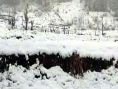 पहाड़ों में बर्फबारी का दिल्ली पर दिखने लगा असर, पारा सामान्य से नीचे पहुंचा