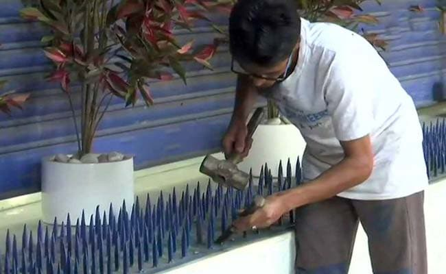 After Outrage In Mumbai, HDFC Bank Removes 'Anti-Homeless' Iron Spikes