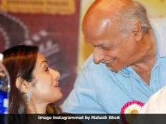 """Sridevi Was So Professional, I Salute Her Spirit,"" Mahesh Bhatt Remembered His <i>Gumrah</i> Actress"