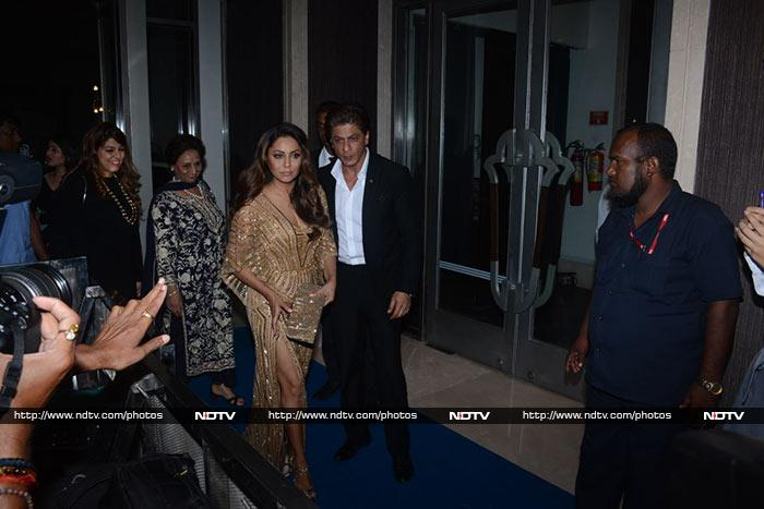 Shah Rukh Khan and Gauri at the Hello Hall Of Fame Awards