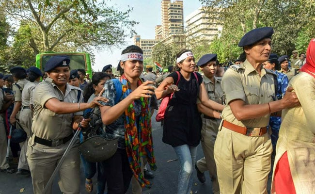 Hundreds of protesting SSC candidates clash with Delhi police, detained