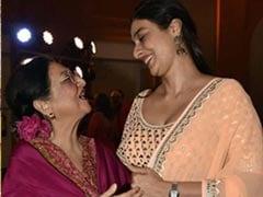 What Celebs Wear To Weddings: Tabu's Simple Look To Sister Of The Groom Swara Bhasker