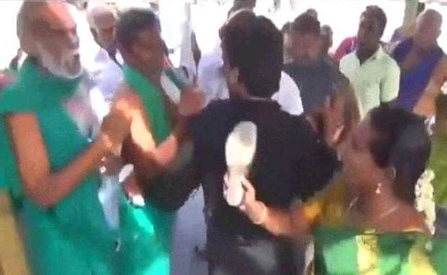 BJP member slaps farmer leader for distributing pamphlets criticising Centre