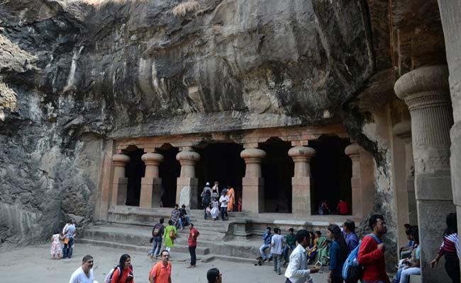 गैर-हिंदुओं के लिए खुला इस कृष्ण मंदिर का भोजन स्थल, पैंट-कमीज पर भी हटा BAN