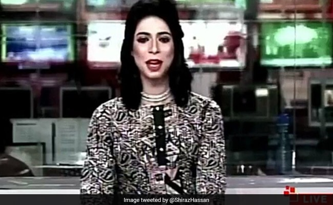 पाकिस्तान की पहली ट्रांसजेंडर न्यूज एंकर बनी, टीवी पर LIVE दिखीं तो लोग रह गए हैरान