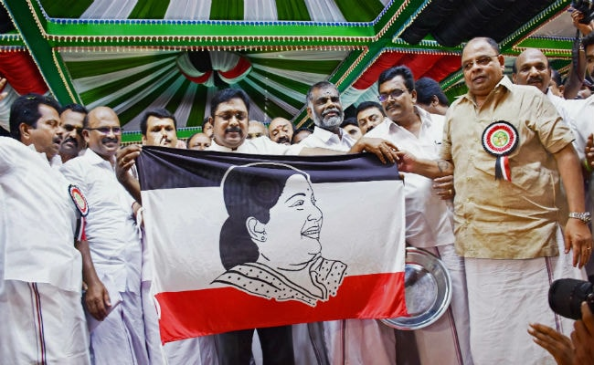AIADMK Moves High Court Against Colours Of Dhinakaran's Party Flag