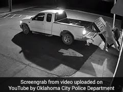 Thirsty Thieves Buy A Drink Then Steal Entire Vending Machine. Watch