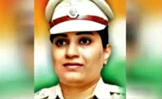woman inspector ashwini bendre 650