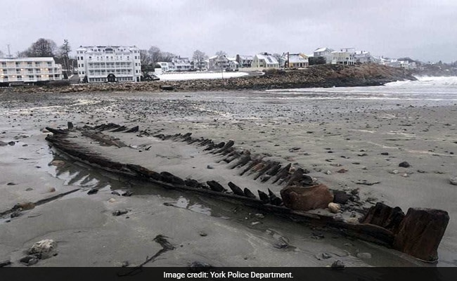 Nor'easter erosion reveals skeleton of old ship in York