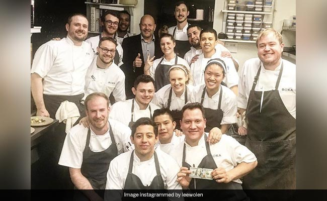 Chicago Restaurant Staff Get $2,000 Tip