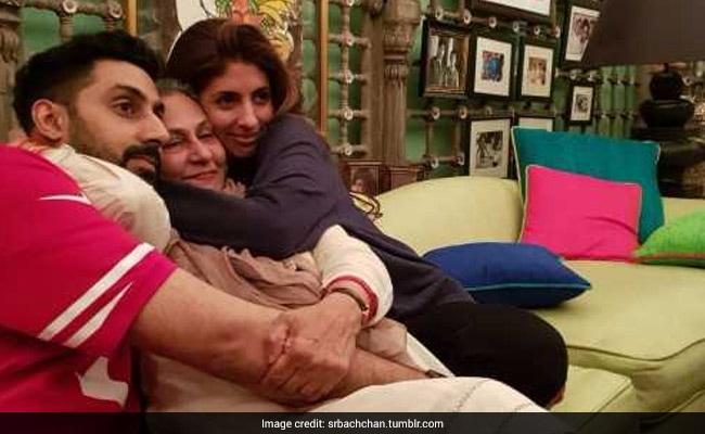 70 साल की हुईं जया बच्चन, बच्चों के साथ ऐसे मनाया जश्न, देखें Inside Photos