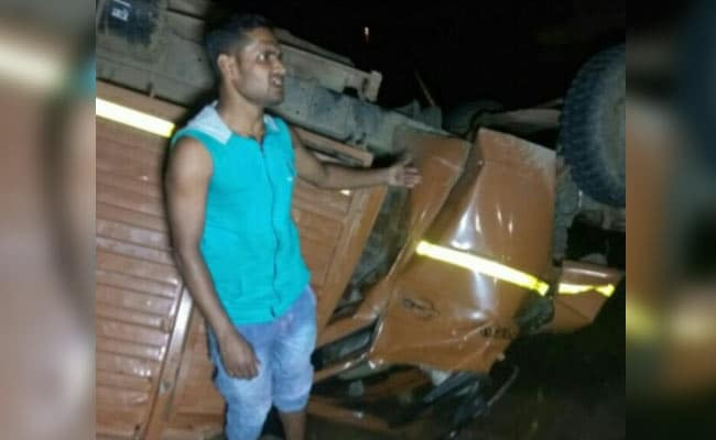 मध्यप्रदेश में बारात लेकर जा रहा ट्रक नदी मे गिरा, 21 की मौत, 30 लोग घायल