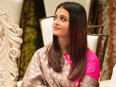Aishwarya Rai Bachchan Is A Knockout In An Unexpected Pink <i>Lehenga</i>