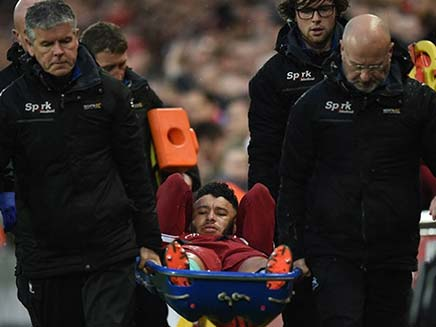 England Midfielder Alex Oxlade-Chamberlain Ruled Out Of World Cup With Knee Injury