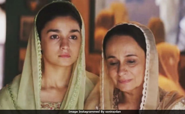 Alia Bhatt's Mom Soni Razdan Is Also In Raazi, ICYDK