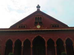 Kashmiri Students Defer Decision To Leave AMU En Masse