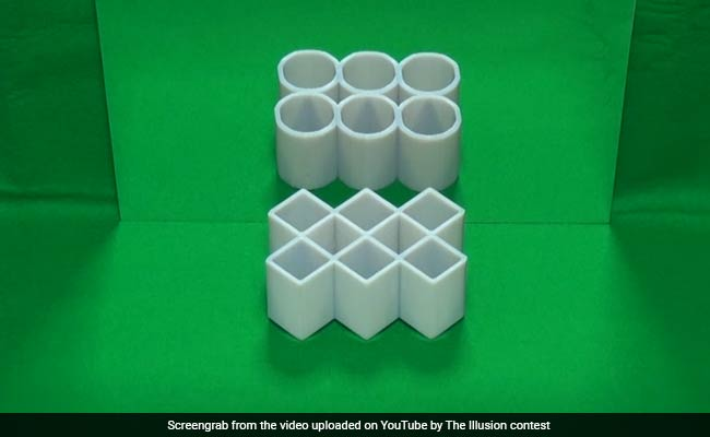 'What's This Sorcery?' This Optical Illusion Is Blowing People's Mind
