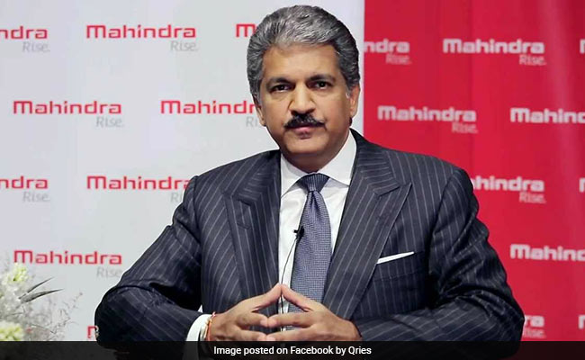 """""""Only One 'Big B' This Week,"""" Tweets Anand Mahindra. Superstar Replies"""