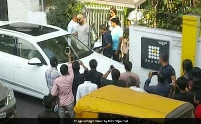 IPL 2018: विराट कोहली से बेंगलुरु मिलने पहुंची अनुष्का शर्मा, तस्वीरें हुई वायरल